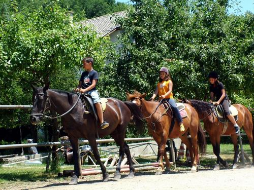 Децата са готови за езда