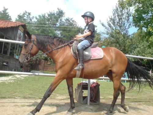 Децата могат да се учат на езда още от малки